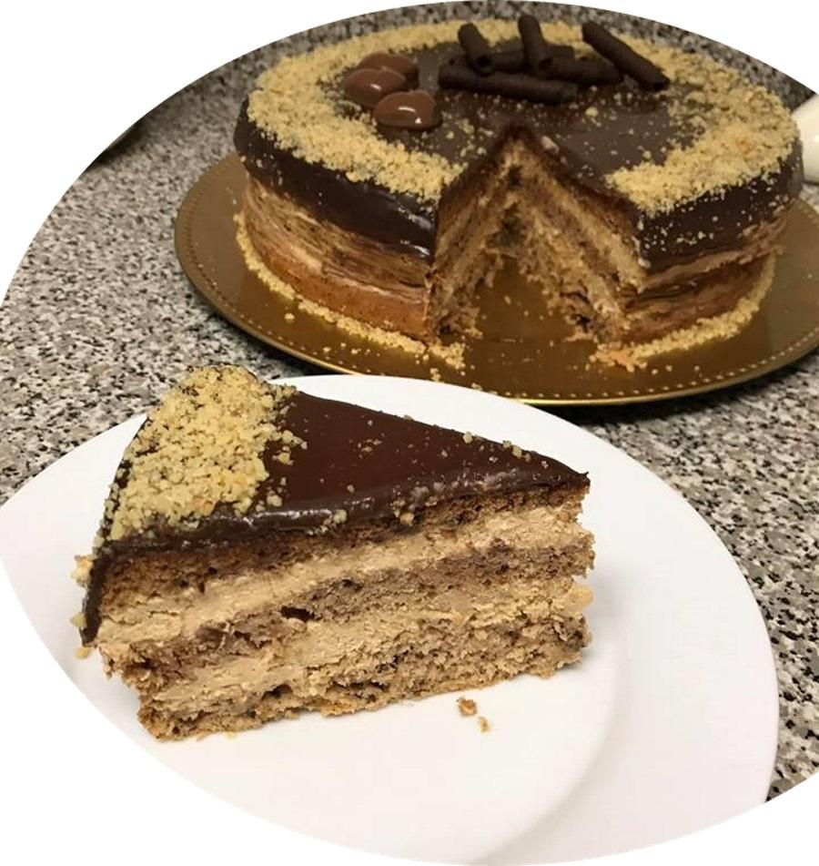 עוגת אגוזים קרם מוקה גאנש
